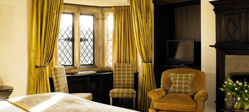 rooms-at-great-fosters-hotel-surrey